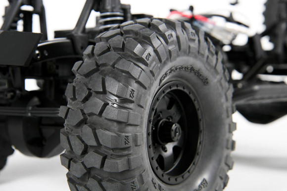 1.9 BFGOODRICH KRAWLER T/A KX TIRES In the full-size offroad world, they are the winner of more rock-crawling championships than all other tires combined (Race spec tire, Years 2004 through 2008). The Axial version captures the same aggressive look you've been waiting for in Trail/Comp sticky R35 compound. BFGoodrich® Tires and KRAWLER™ T/A® Trademarks are used under License from Michelin