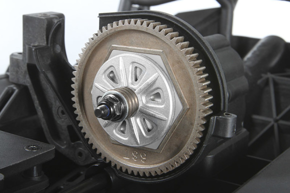 DUAL SLIPPER CLUTCH Our dual slipper design uses an aluminum pad on each side of the spur gear which provides the right amount of slip for performance and heat resistance for durability. The all-metal spur gear features 32 pitch gearing for high torque applications.